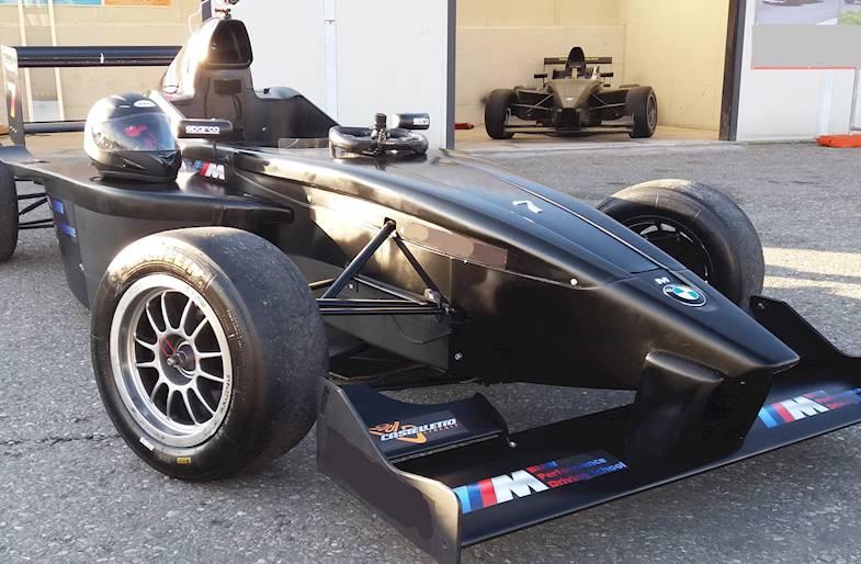 Corso di Guida Sportiva su Formula 4 a Milano in Lombardia