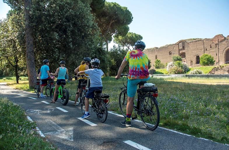 Tour in E-Bike a Roma con Yoga alla Caffarella