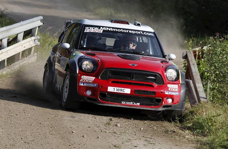 Guida una Mini Cooper S su un circuito da Rally