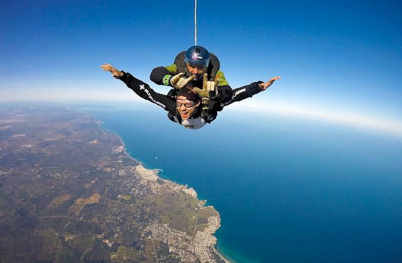 Lancio con paracadute in Calabria