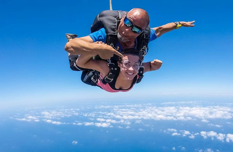 Lancio con paracadute a Lecce in Puglia in Tandem