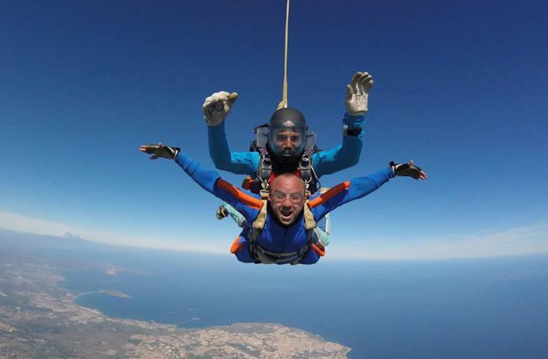 Lancio con paracadute a Siracusa in Sicilia