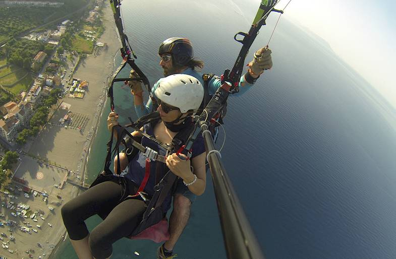Volo in parapendio a Capo Calavà