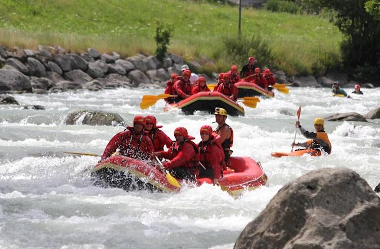 Rafting privato in Trentino sul fiume Noce