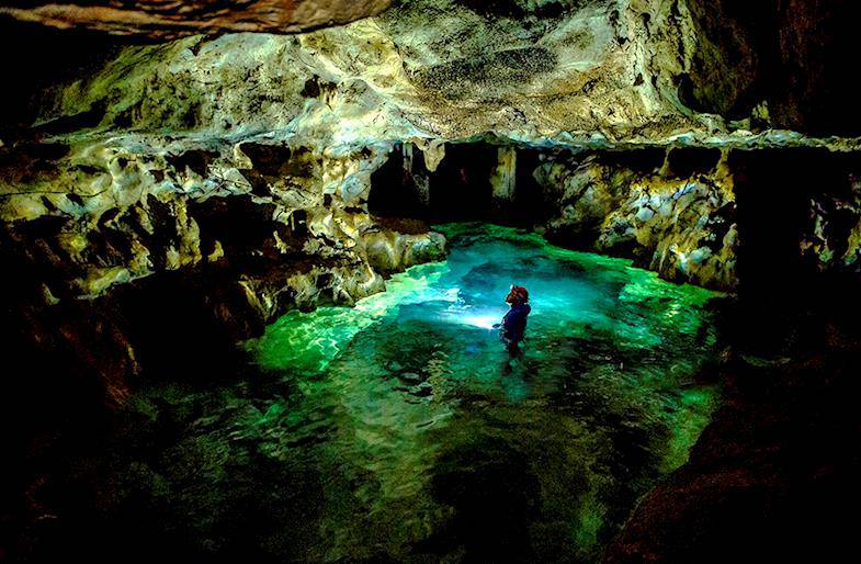 Speleologia in Umbria o Toscana